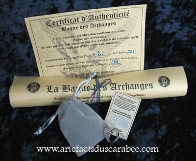 Pochette de Suédine, Certificat d'Authenticité, Parchemin des Propriétés et Rituel de Purification & d'Activation inclus avec chaque Bague des Archanges