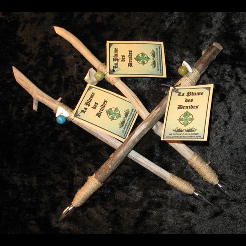 boutique sot rique artefacts du scarab e plume des druides en bois d 39 rable. Black Bedroom Furniture Sets. Home Design Ideas