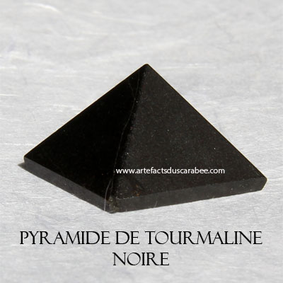 Pyramide de Tourmaline Noire (25mm) -Protection, Purification