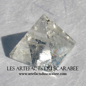 Pyramide de Quartz Clair (20-25mm) - Amplificateur ++